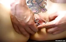Tattooed brunette babe gets fucked in the pussy