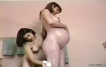 Pregnant Pussy Lickers s2