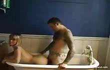 Hot punk GF fucked in the bath-tub