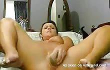 Horny busty slut dildoing her cunt on webcam