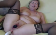 Amateur mature lady on webcam